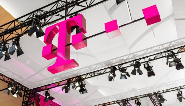 Deutsche Telekom stand by hartmannvonsiebenthal Hannover Germany 04 Deutsche Telekom stand by hartmannvonsiebenthal, Hannover Germany